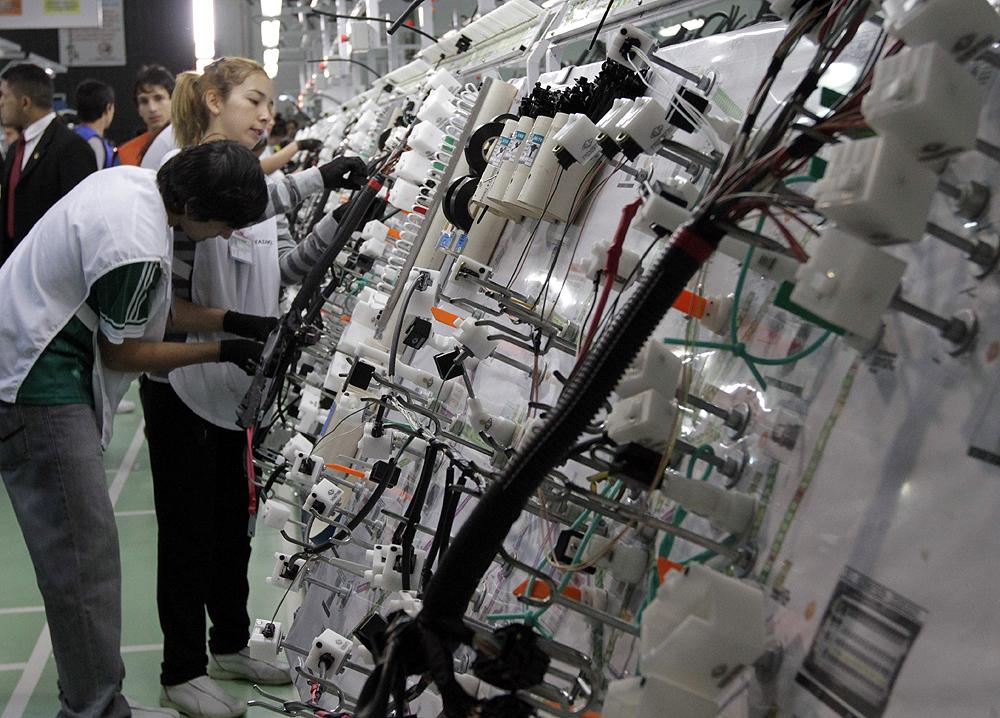 industria-_autopartes_maquila-_cables-_-3