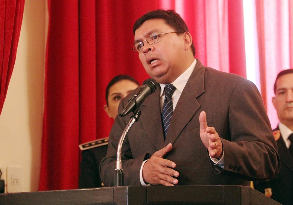 Ministro exige comprender que los cargos no son para for Ministro del interior actual