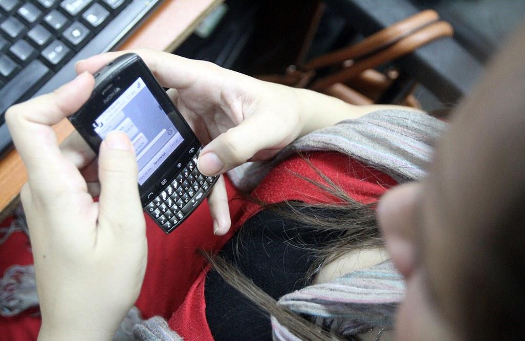 Buscarán prohibir publicidad no autorizada vía celulares