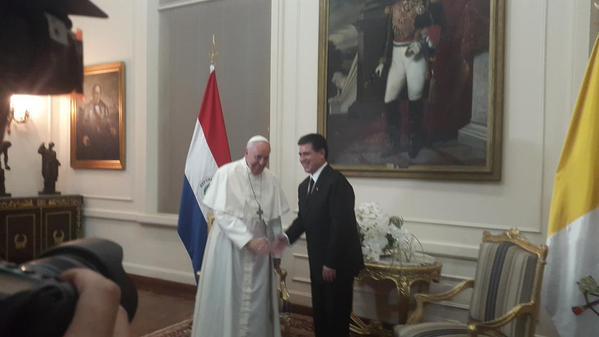 Reunión del papa con Cartes en Palacio de Gobierno.