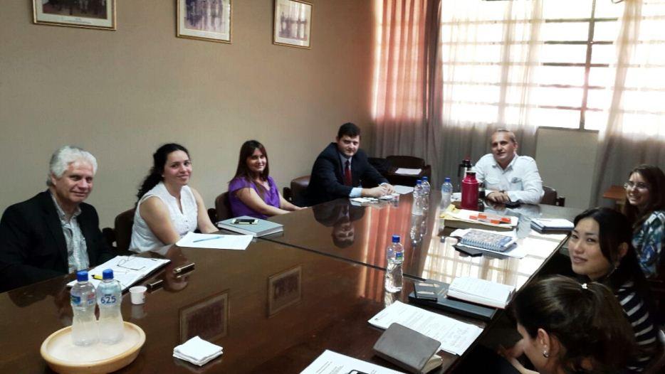 Dinapi asesora a docentes de la facultad de arquitectura for Facultad de arquitectura una