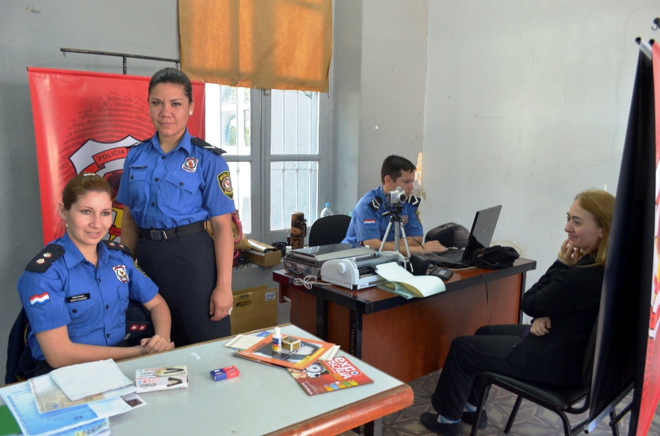 Realizar n servicio de cedulaci n en coronel oviedo for Ministerio del interior pasaporte