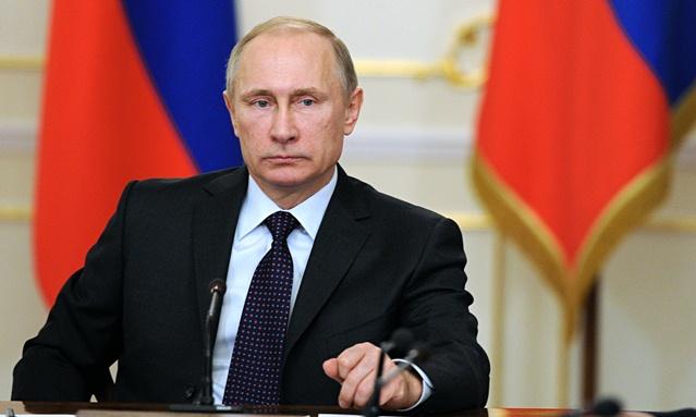 Despide Rusia a marineros muertos en incendio de submarino