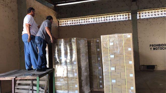 Decomisan contenedor con productos falsificados - Pallets por contenedor ...