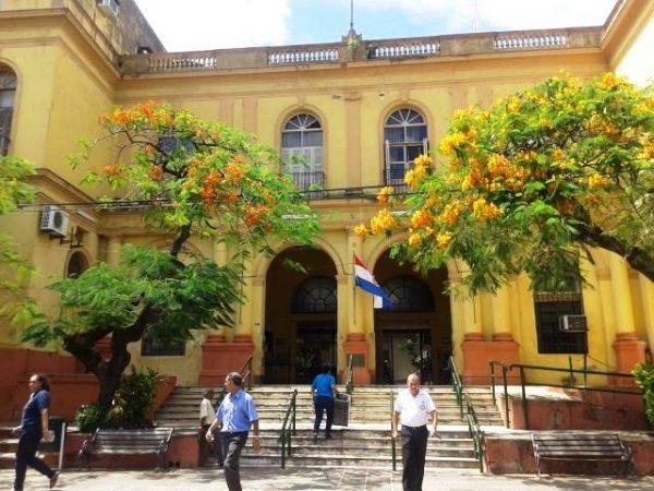 Fachada del antiguo nosocomio en la actualidad se convirtió en el Museo del Hospital de Clínicas Foto: facebook museo del hospital de clínicas