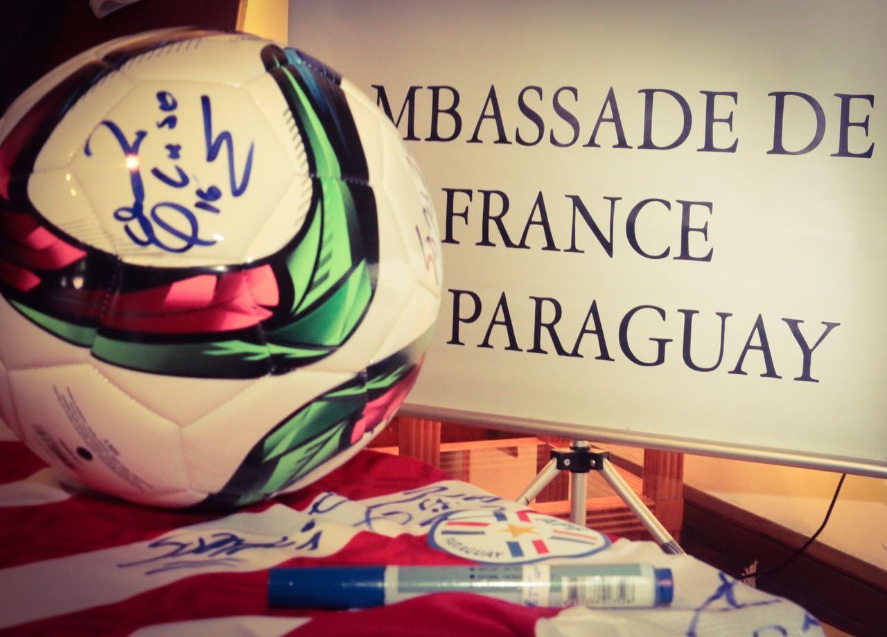 homenaje-de-la-embajada-de-Francia-a-jugadores-del-98-13
