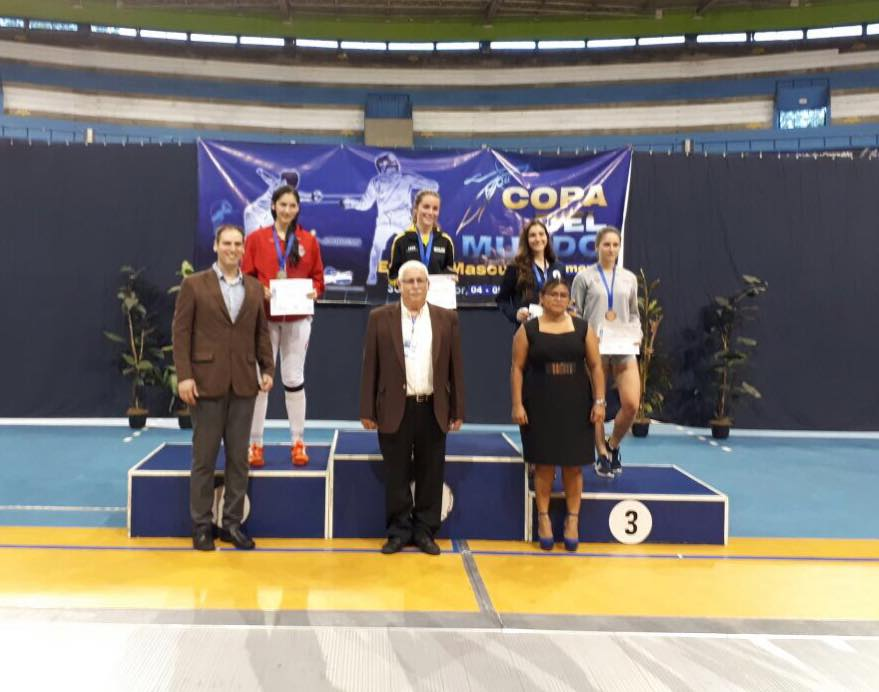 Hist rica medalla de plata para esgrimista paraguaya en for Viveros en la plata