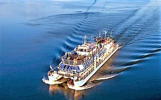 Resultado de imagen para catamaran ii en el río paraná, empresa macuco