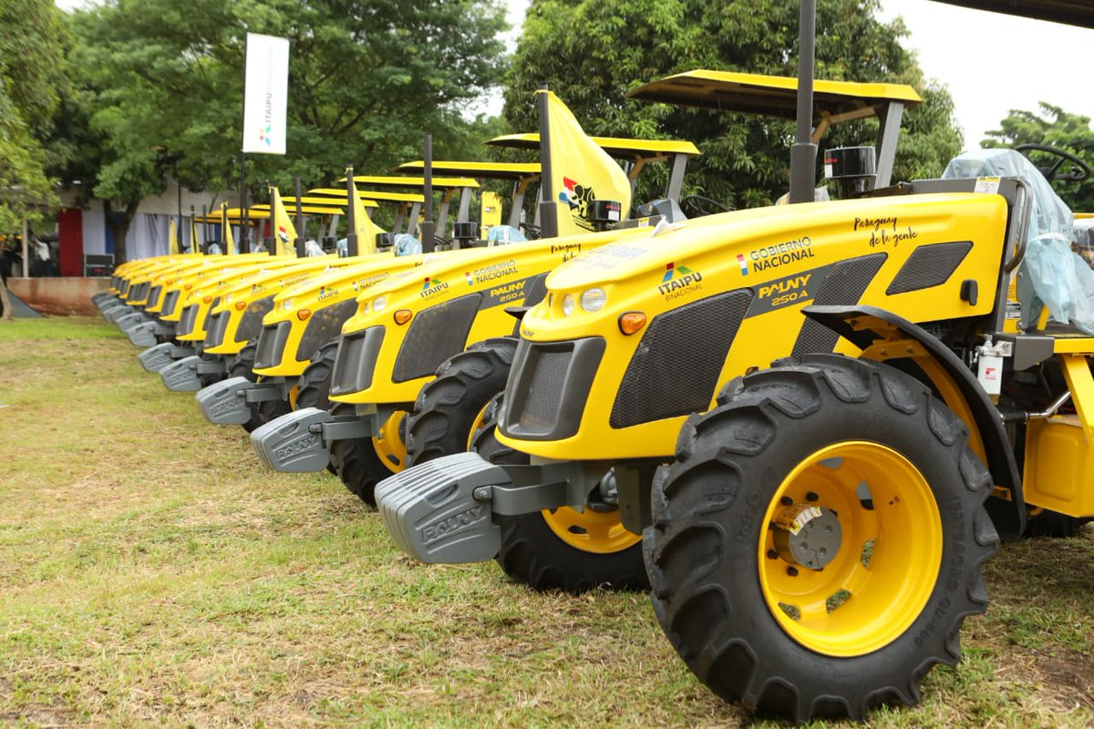 Resultado de imagen para tractores para 10 gobernaciones