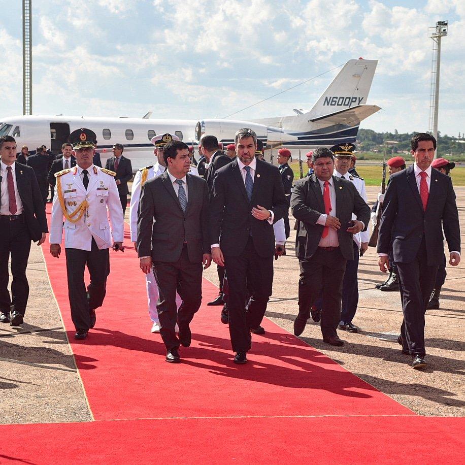 Asunción de Macri con reclamo por Venezuela