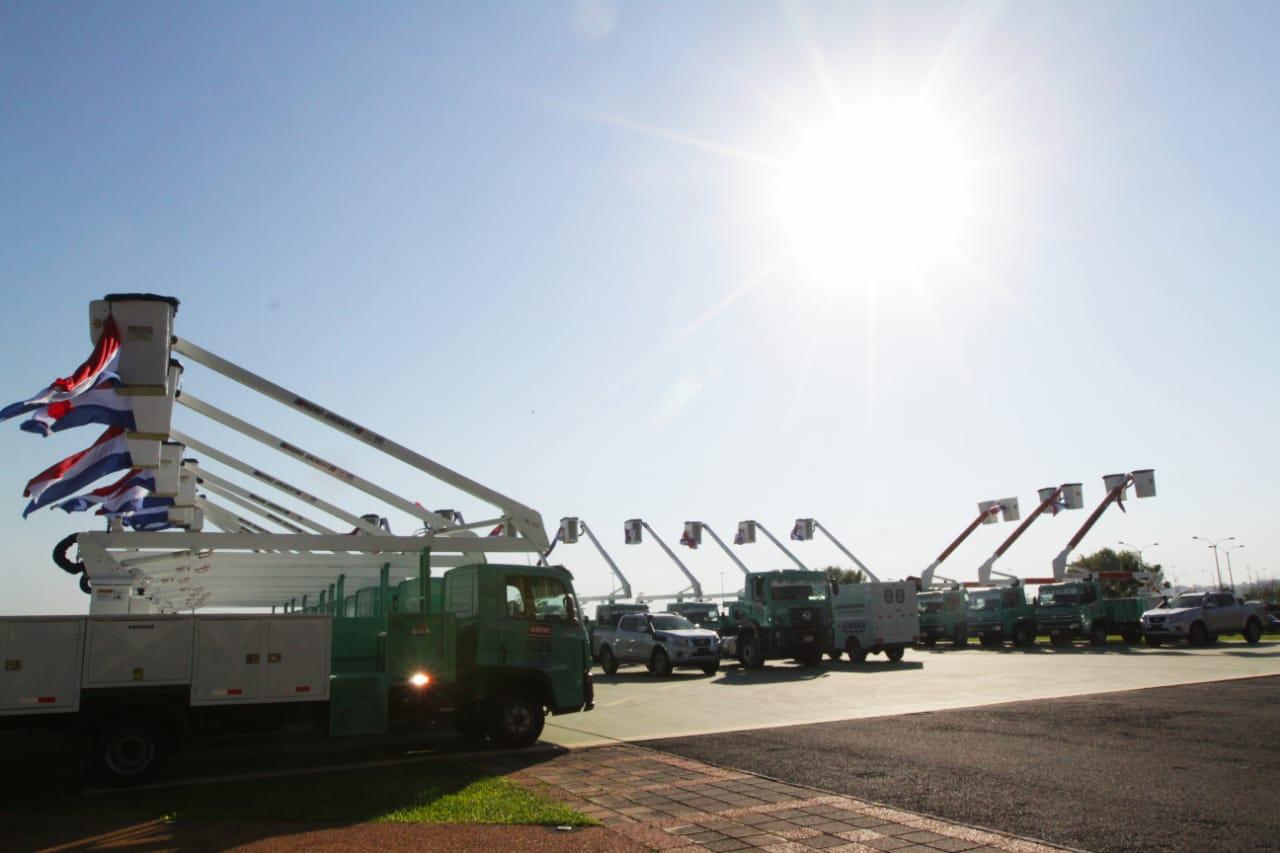Suman nuevos vehículos para mejorar  servicio de agua y energía eléctrica