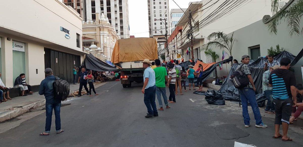 Campesinos de Caazapá llegan a acuerdo con Indert y levantan manifestación
