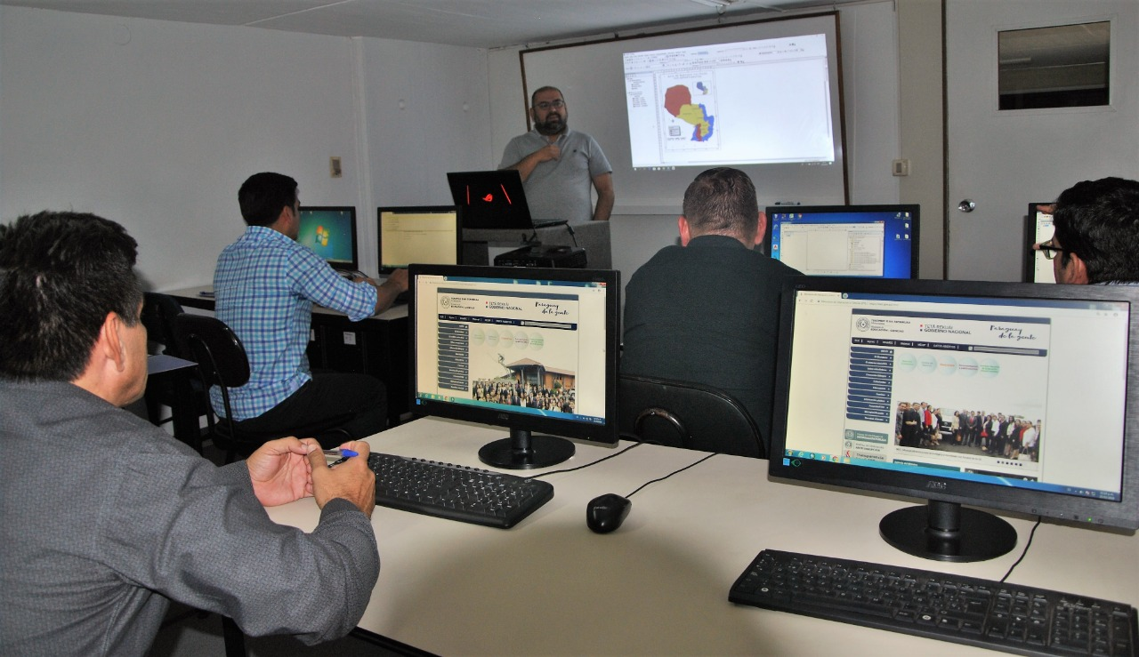 MEC avanza con proyecto para actualizar sus sistemas de información