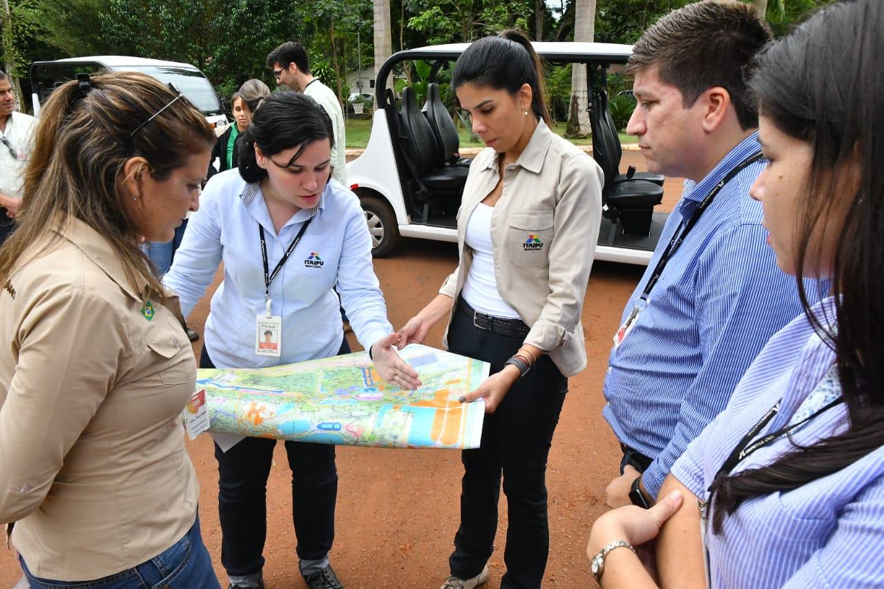 Itaipú y Parque de las Aves analizan acuerdos para certificación del futuro Centro Ambiental