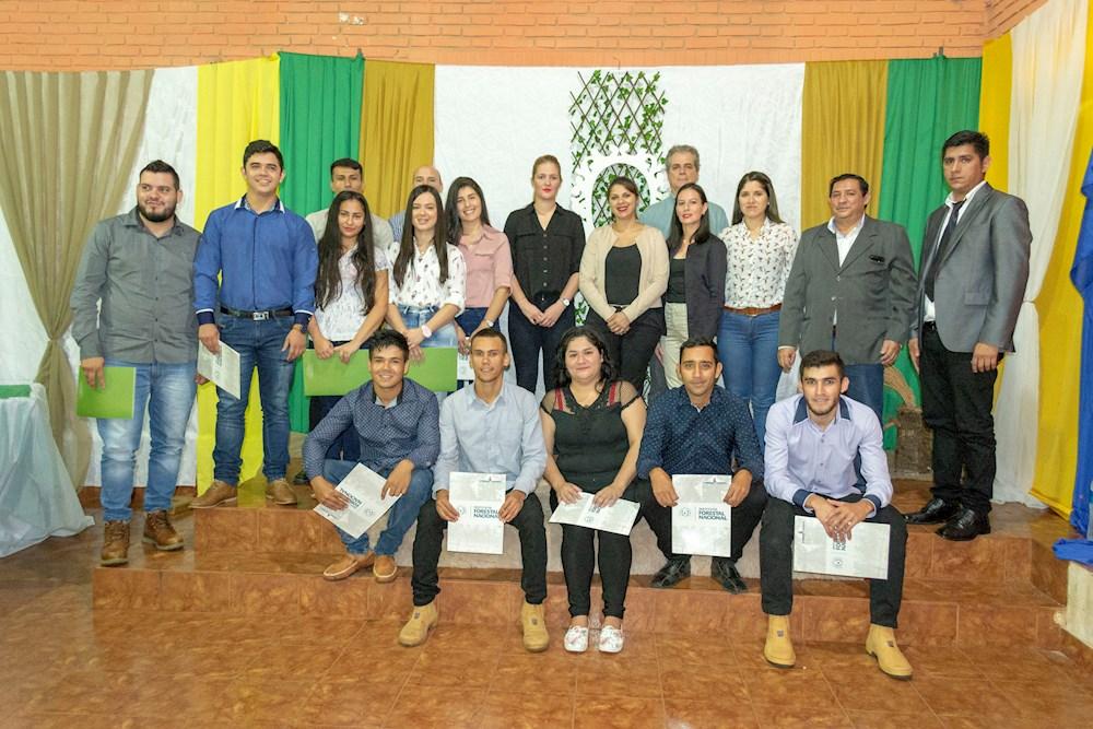 Egresan 35 nuevos técnicos forestales del Centro de Formación de Alto Paraná