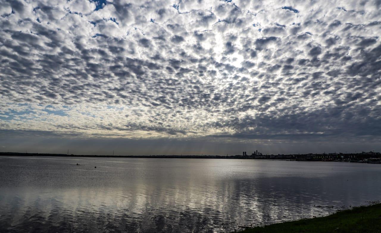 Meteorología anuncia un lunes fresco a cálido con vientos del sur