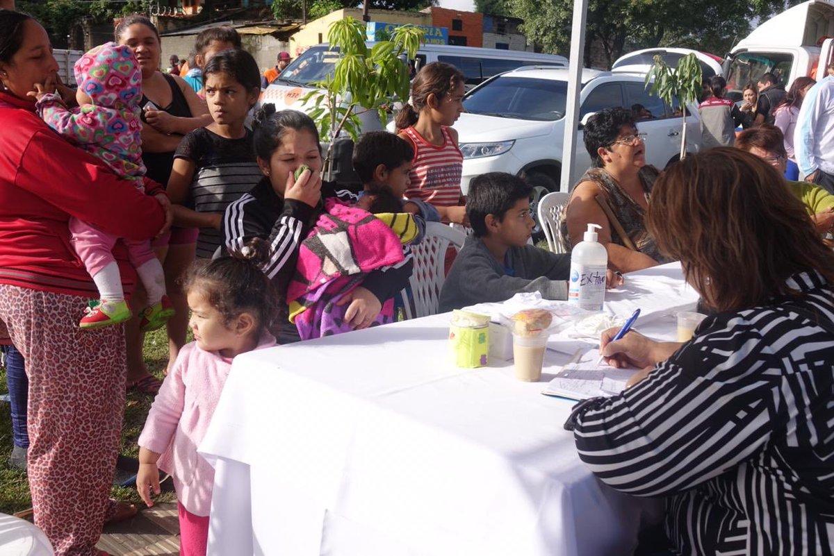 Gobierno acerca servicios comunitarios a damnificados del barrio Santa Ana
