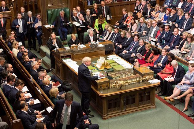 Johnson designó nueva ministra de Trabajo tras dimisión de Amber Rudd