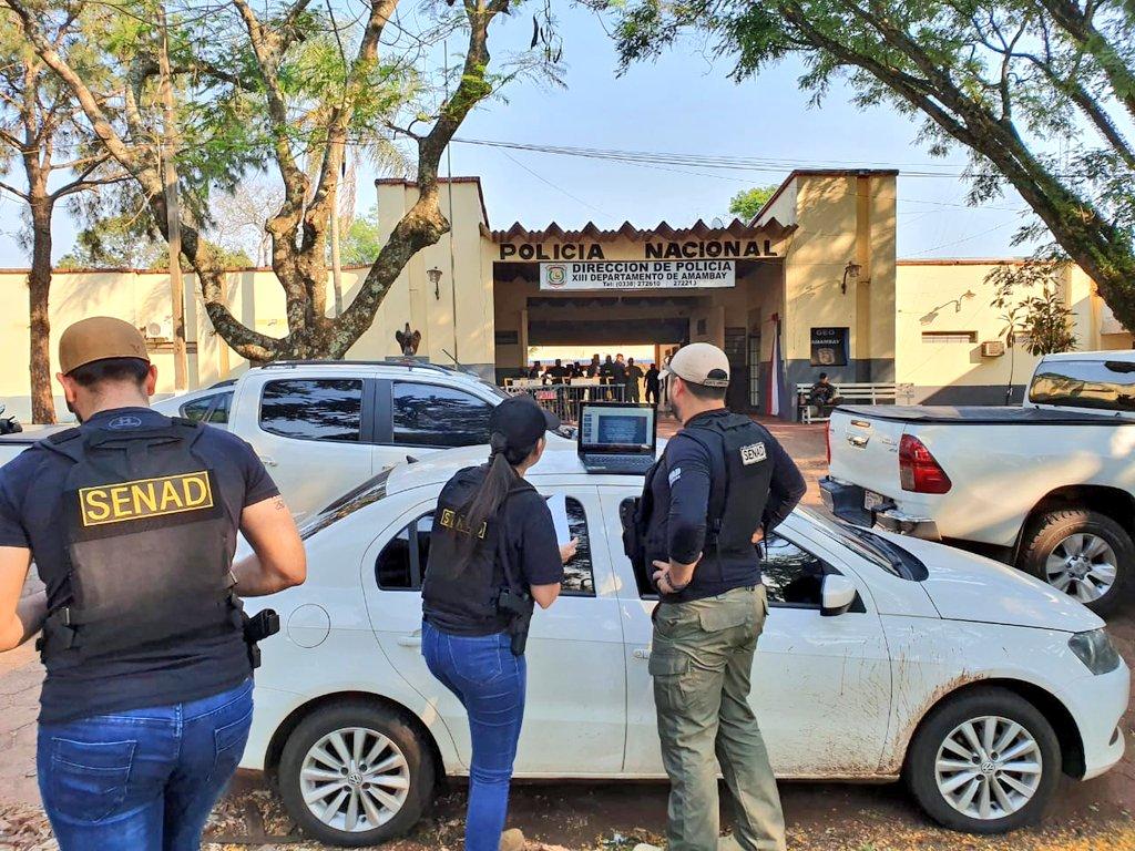 Una veintena de policías son detenidos por supuestamente brindar protección  a jefe narco | .::Agencia IP::.