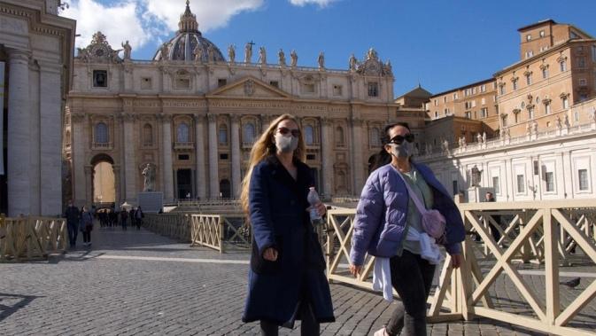 Mascarillas en el Vaticano